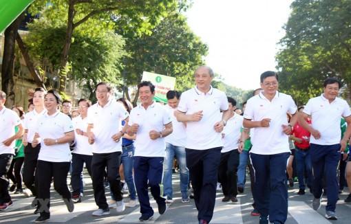 Hơn 30.000 người tham gia Ngày chạy Olympic vì sức khỏe toàn dân
