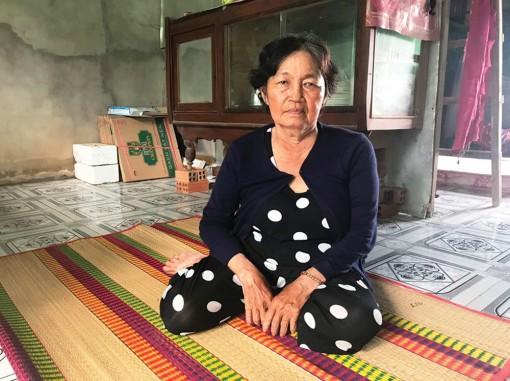 Người phụ nữ bán vé số mắc bệnh ung thư cần trợ giúp