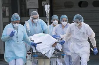 Chính phủ Pháp chi thêm 8 tỷ euro hỗ trợ các nhân viên y tế