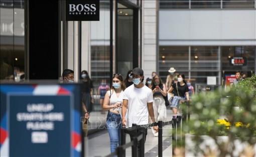 Ngày càng nhiều nước châu Âu áp dụng quy định đeo khẩu trang