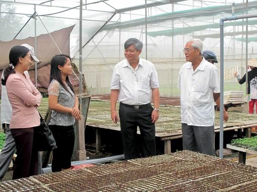 Chung tay tiếp sức cho tài năng Việt
