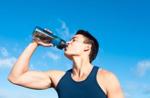 Uống nước vào buổi sáng khi bụng đói, cơ thể bạn sẽ ra sao?