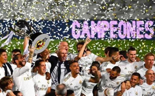 Benzema lập cú đúp, Real vô địch La Liga