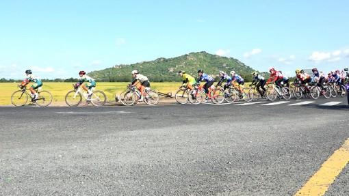 Thi đấu chặng 2 Giải xe đạp nữ toàn quốc lần thứ 21- An Giang năm 2020