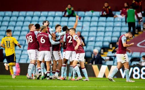 Thắng Arsenal 1-0, Aston Villa mở ra khả năng trụ hạng