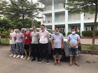 Cảnh sát giao thông phát hiện 5 người Trung Quốc nhập cảnh trái phép