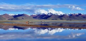 Thu được lõi trầm tích hồ trên cao nguyên Tây Tạng