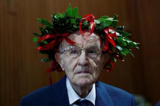 Sinh viên lớn tuổi nhất nước Ý tốt nghiệp đại học ở tuổi 96
