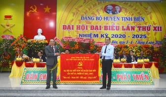 Khai mạc Đại hội đại biểu Đảng bộ huyện Tịnh Biên lần thứ XII (nhiệm kỳ 2020-2025)