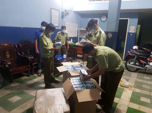Quản lý thị trường tỉnh An Giang phát hiện, thu giữ 1.498 hộp khẩu trang buôn lậu