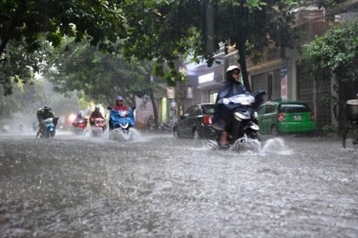 Cả nước mưa lớn diện rộng, đề phòng lốc sét và gió giật mạnh