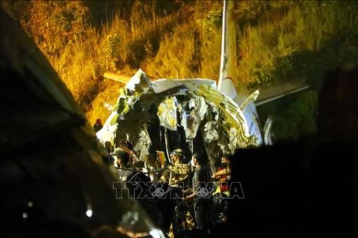 Tìm thấy các hộp đen tại hiện trường vụ tai nạn máy bay Ấn Độ