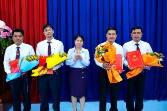 Báo An Giang trao quyết định bổ nhiệm lại 4 trưởng phòng