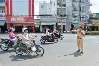 Người dân cần tự nâng cao ý thức chấp hành pháp luật về an toàn giao thông