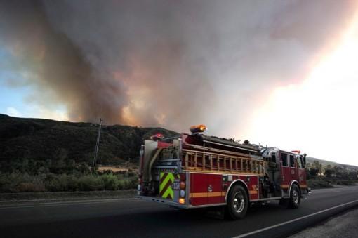 Mỹ: Hàng trăm hộ dân phải sơ tán do cháy rừng ở Los Angeles