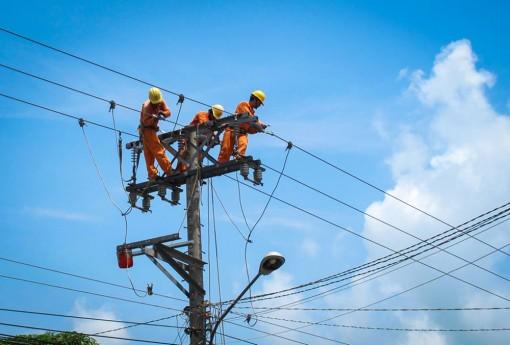 Điện lực Châu Đốc: Chung sức đảm bảo cung ứng điện trong mùa mưa và mùa dịch