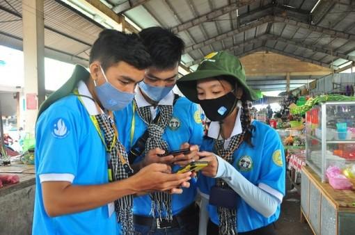 UBND tỉnh An Giang chỉ đạo đẩy mạnh cài đặt ứng dụng Bluezone phục vụ phòng, chống dịch COVID-19