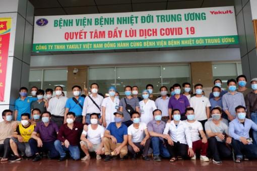 Gần 200 công dân Việt về từ Guinea Xích đạo hết hạn cách ly được về nhà