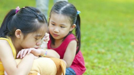 Cách hay giúp trẻ nói lời xin lỗi dễ dàng hơn