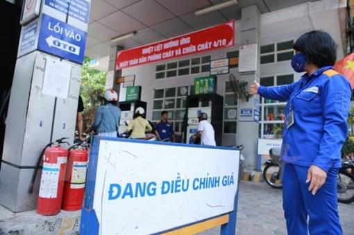 Giá xăng E5 RON92 và dầu mazút giữ ổn định, RON95 tăng nhẹ