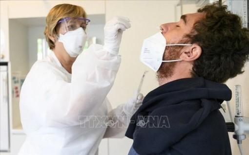 Thụy Sĩ: Virus SARS-CoV-2 chuyển hướng tấn công người dưới 40 tuổi