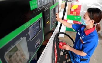 Giá dầu thị trường châu Á xuống mức thấp nhất kể từ tháng 7