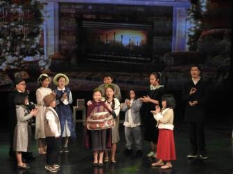 Nhạc kịch 'Cô bé bán diêm' của học sinh Hà Nội cháy vé giữa mùa dịch