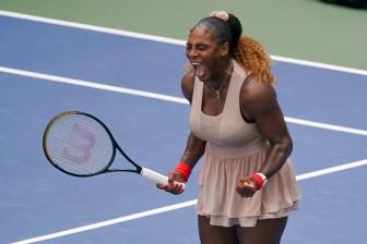 Serena Williams lọt vào vòng tứ kết US Open