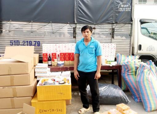 Công an huyện An Phú bắt số lượng lớn hàng hóa nhập lậu