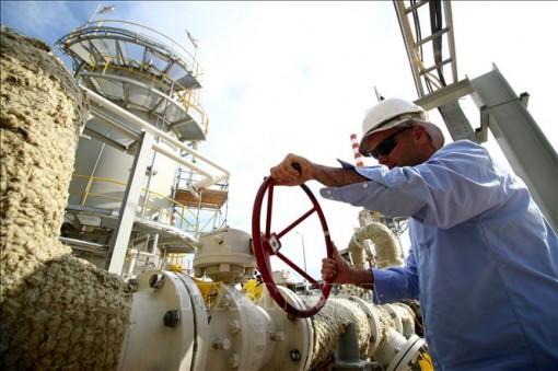 Giá dầu thế giới giảm gần 2% trong phiên giao dịch 10-9