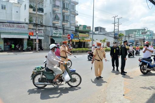 Xử phạt hành chính 1.230 trường hợp vi phạm trật tự an toàn giao thông
