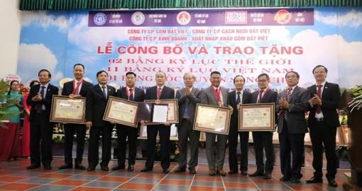 Gốm Đất Việt xác lập 2 Kỷ lục Thế giới