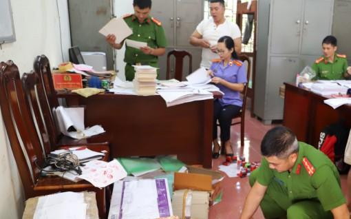 Khởi tố đối tượng làm giả giấy tờ của cơ quan, tổ chức