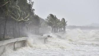 Đêm 16-9, bão số 5 gây gió mạnh cấp 8-9, giật cấp 13 ở khu vực giữa Biển Đông