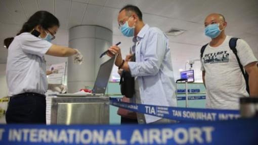 Mở lại đường bay quốc tế, hành khách nào được đi?