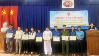 """Phú Tân trao giải Cuộc thi """"Hành trình theo chân Bác"""" và """"Theo dòng lịch sử"""""""
