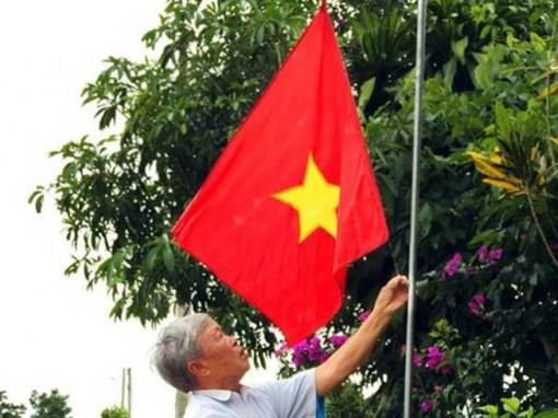 Từ ngày 21 đến 27-9 thực hiện treo cờ Đảng và cờ Tổ quốc chào mừng Đại hội đại biểu Đảng bộ tỉnh lần thứ XI