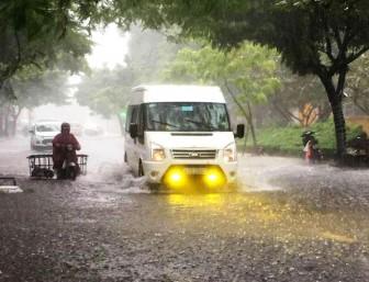 Hoàn lưu bão gây mưa lớn ở Bắc Trung Bộ