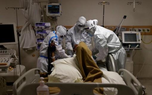 Thế giới có hơn 956 nghìn người tử vong do COVID-19