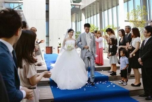 Nhật Bản tăng trợ cấp lên tới gần 6.000 USD để khuyến khích kết hôn