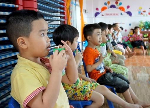 Bình Định tích cực với việc triển khai sữa học đường trong năm học mới
