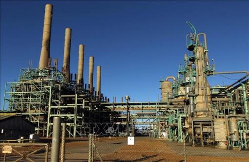 Giá dầu châu Á đi xuống trong phiên sáng 21-9