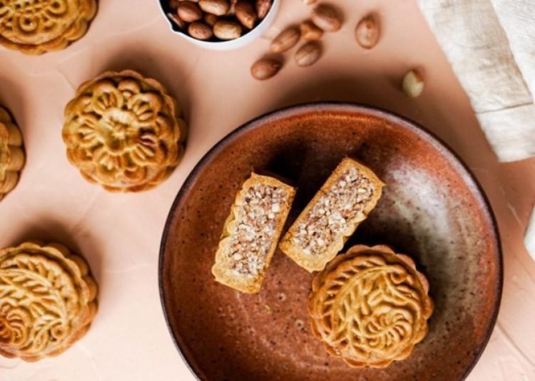 Bạn đã biết cách ăn bánh Trung Thu như thế nào cho đúng?