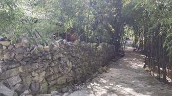 Cận cảnh bờ rào đá - nét kiến trúc độc đáo của người Mông ở Hà Giang