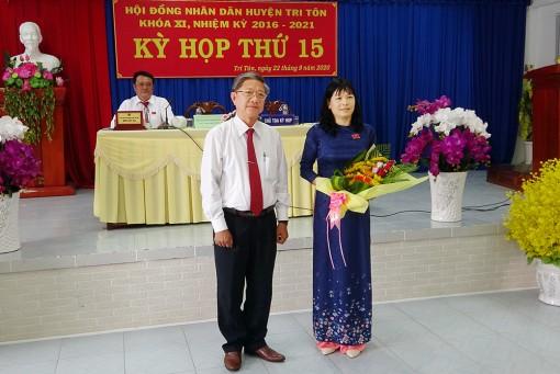 Bà Nguyễn Thị Phương Lan giữ chức Chủ tịch HĐND huyện Tri Tôn