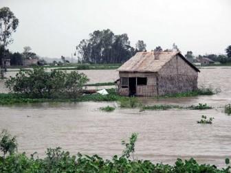 Mưa lớn ở khu vực Bắc Bộ, cảnh báo lũ trên các sông, nguy cơ lũ quét