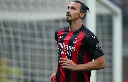 Tiền đạo Zlatan Ibrahimovic dương tính với virus SARS-CoV-2