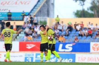 Hà Nội FC bị đội bóng cuối bảng Quảng Nam cầm chân