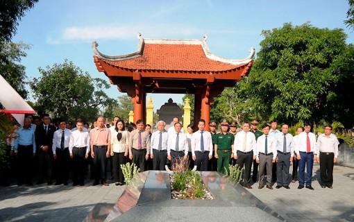 Trang trọng Lễ giỗ lần thứ 200 ngày mất Đại thi hào Nguyễn Du