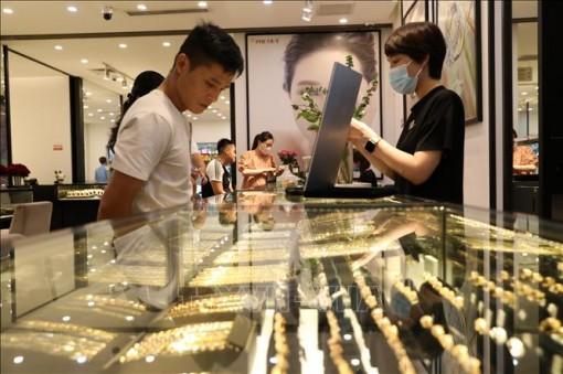 Giá vàng sáng 6-10 tăng mạnh, hướng về mốc 57 triệu đồng/lượng